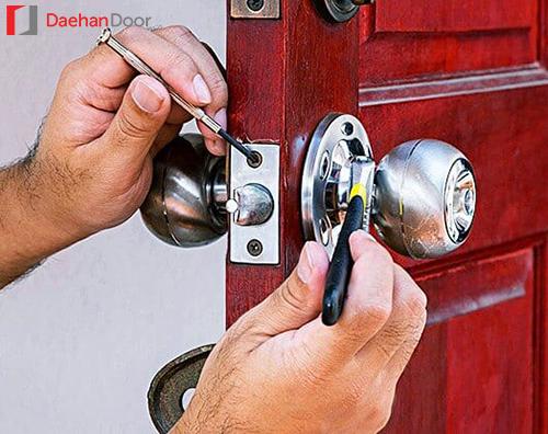 Hướng dẫn chi tiết cách xử lý lỗi khóa tay nắm tròn